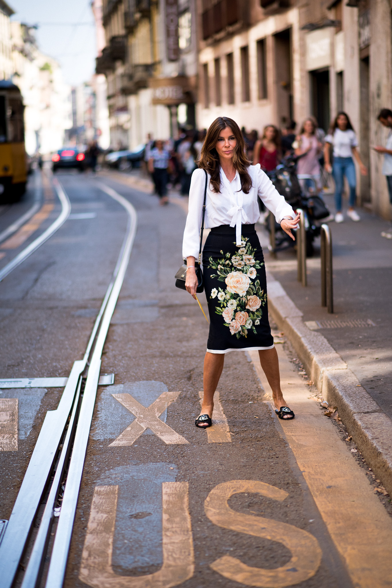 christina-pitanguy_dolce-gabbana-_milan-fashion-week_sept-2016_photography-annika-lagerqvist_www-annikasomething-com-1